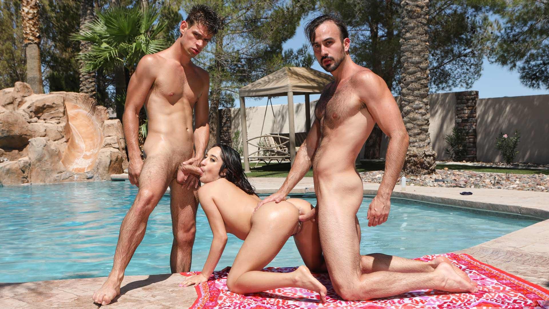 Bi More Oil - Michael DelRay & Mason Lear & Isabella Nice 1